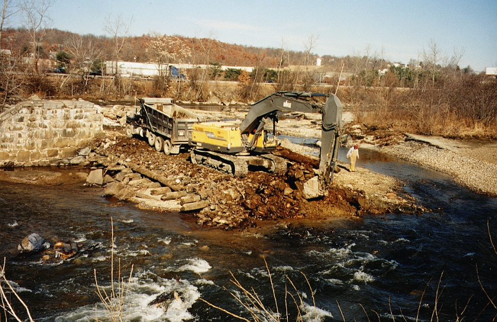 Anaconda Dam removal. (courtesy L. Wildman/Milone & MacBroom)